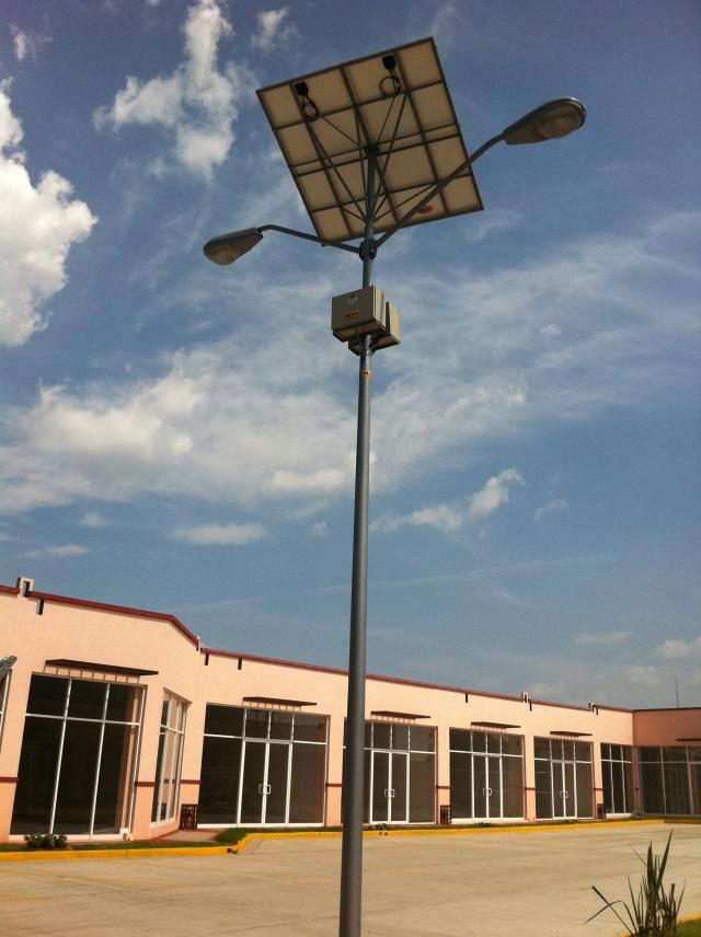 Productos lamparas solares para jard n minimalistas acero - Lamparas solares de jardin ...